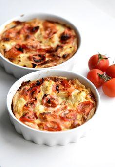 Zalmquiche met asperge, bloemkool en tomaat.