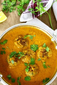 Chicken Kofta Curry (Meatballs In A Delicate Indian Curry) A slice of my commonly uncommon Indian Sauces, Indian Dishes, Indian Chicken Dishes, La Mian, Garam Masala, Naan, Mince Recipes, Cooking Recipes, Cooking Tips