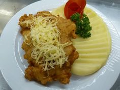 Montenegrói steak - Mňamky-Recepty.sk Hungarian Recipes, Pork Recipes, Spaghetti, Menu, Sweets, Chicken, Cooking, Ethnic Recipes, Foods