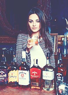 A girl after my Jim Beam heart! Vincent Van Gogh, Mila Kunis Style, Beautiful People, Beautiful Women, Beautiful Life, Jenifer Lawrence, Whiskey Girl, The Perfect Girl, Jim Beam