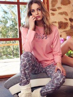 b01c43235620 66 mejores imágenes de Solo pijamas en 2019 | Niñas pequeñas ...