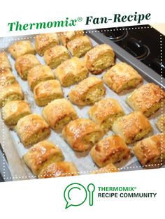 Recipe Healthy Chicken and Vegetable Sausage Rolls by Dianagut, learn to make this recipe easily in your kitchen machine and discover other Thermomix recipes in Baking - savoury. Thermomix Recipes Healthy, Healthy Eating Recipes, Healthy Chicken Recipes, Healthy Snacks, Cooking Recipes, Yummy Snacks, Chicken Sausage Rolls, Bellini Recipe, Lunch Box Recipes