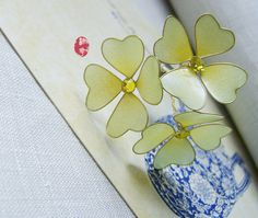Lucky clover hair stick/hair comb/ Bridal by Numerousflowerfall