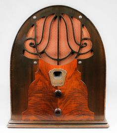 1931 Clarion Jr Wood Cathedral Vacuum Tube Radio