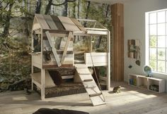 Brody would love this!!!! Must make!!! Treehouse or tree stand style boys bunk bed for bedroom idea