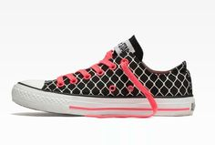 becc6bae3c82 Converse Barbed Wire Low Top Black Canvas Red Shoelace Tennis Shoes