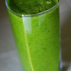 Kiwi Nana Mint 1 cup(s) Spinach 1 Kiwi ½ Banana 3 leaves Mint ½ inch Ginger 1 tbsp. Chia Seeds ¼ Avocado Almond Milk to MAX LINE
