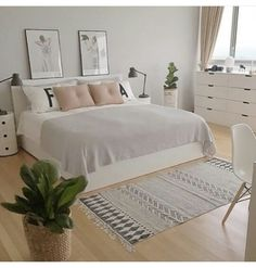 minimalist bedroom ideas for small rooms - Do not let limited space hinder you f . minimalist bedroom ideas for small rooms - Do not let limited space hinder you f . - beautiful farmhouse bedroom bedroom ideas 70 beautiful f. Small Room Bedroom, Dream Bedroom, Home Bedroom, Modern Bedroom, Stylish Bedroom, Bedroom Ideas Minimalist, Summer Bedroom, Minimalist Apartment, Girls Bedroom