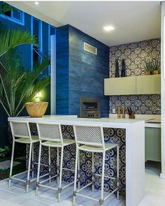 #inspiraçãododia Bom dia!!! Começando a segunda com essa varanda gourmet pra lá de inspiradora . Projeto Eveline Sampaio