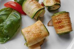 Zucchini - Putenbrust - Röllchen mit Feta, ein tolles Rezept aus der Kategorie Geflügel. Bewertungen: 71. Durchschnitt: Ø 4,2.