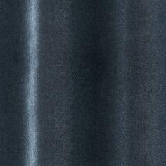 Velours de coton d'excellente qualité italienne, doux, polyvalent et résistant. Une palette de 69 coloris neutres, classiques et éclatants.