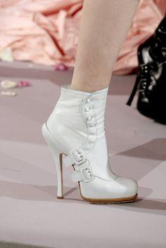 Christian Dior Spring 2010 Couture Collection Photos - Vogue