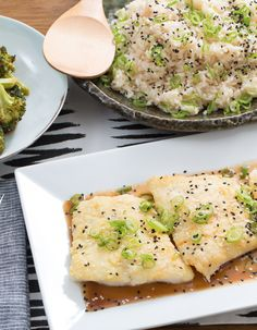 In this Japanese-inspired recipe, a few special ingredients help us achieve gourmet results. Cod Recipes, Broccoli Recipes, Fish Recipes, Seafood Recipes, Great Recipes, Vegetarian Recipes, Cooking Recipes, Favorite Recipes, Cooking Ideas