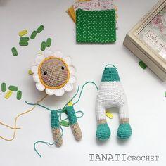 Doll - Chamomile The pattern is in the making. #amigurumi #crochet #crocheted #crocheting #crochetlove #crochetaddict #crochetersofinstagram #toy #toys #handmade #handmadebyme #handmadewithlove #yarn #амигуруми #вязание #cute #adorable #örgü #ganchillo #あみぐるみ #かぎ針編み #virka #crochetdoll #amigurumipattern #etsy #etsyAU #photo #photoframe #freecrochetpattern