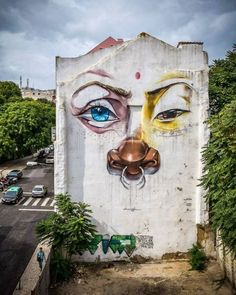 Street art is a fascinating art form that is truly guerrilla in nature. Sometimes illegal, artists still go out at night to share their art form with Urban Street Art, 3d Street Art, Amazing Street Art, Street Art Graffiti, Amazing Art, Street Artists, Land Art, Instalation Art, Sidewalk Art