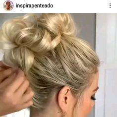 half up half down prom wedding hair style! Hair Up Styles, Medium Hair Styles, Easy Hairstyles For Long Hair, Braided Hairstyles, Brown Hairstyles, Hair Bump Hairstyles, Curly Updos For Medium Hair, Short Hair Updo Easy, Wedding Hairstyles