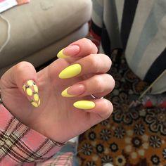 Yellow and pink medium nail art - ChicLadies. Aycrlic Nails, Nail Manicure, Swag Nails, Hair And Nails, Almond Acrylic Nails, Summer Acrylic Nails, Best Acrylic Nails, Exotic Nails, Fire Nails