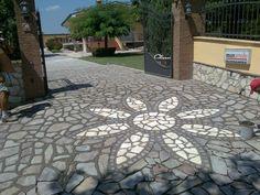 fiore in pietra di trani