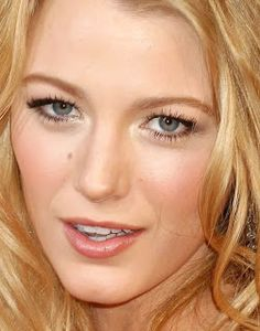 Makeup for Hooded Eyes - Venusian*Glow. Beautiful Blake Lively.