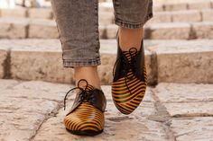 Leather Shoes, Printed Oxford Shoes, Close Shoes, Flat Shoes, Black and Yellow Shoes , Free Shipping