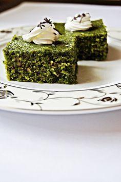 Şerbetli Ispanaklı Tatlı, Desserts with Sherbet Sweets Recipes, My Recipes, Cooking Recipes, Armenian Recipes, Turkish Recipes, Armenian Food, Spinach Cake, Honey Dessert, Pasta Cake