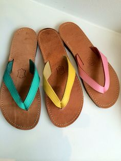 Colored leather flip flops, real leather with rubber antislippery sole. Toe Ring Sandals, Flip Flop Sandals, Real Leather, Leather Shoes, Leather Flip Flops, Beach Shoes, Comfortable Sandals, Custom Shoes, Beautiful Shoes