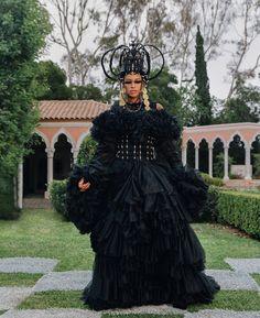King Fashion, Black Girl Fashion, Women's Fashion, Latest Fashion, Fashion Trends, Queen B, Black Queen, Black Power, Skin Girl
