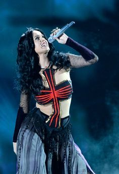 Katy Perry performs on the 56th Annual GRAMMY Awards. Just look at this women. She is fantastic.