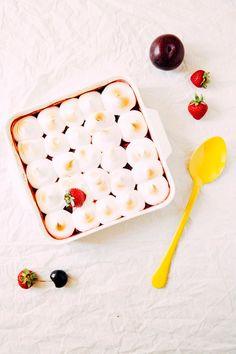 mixed fruit and marshmallow meringue tray bake
