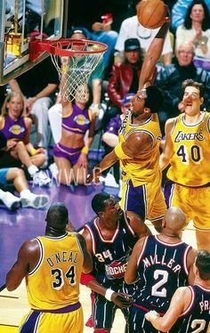 Kobe's 'bout to bring down da house!