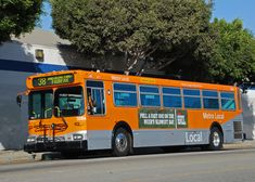 New Flyer bus on Jefferson Blvd. Bus City, Bus Number, New Flyer, King County, Bus Terminal, Busses, Bus Stop, Diesel Engine, Public Transport