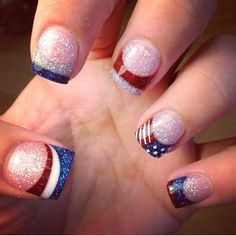 More awesome fourth of july nails nail art ногти, маникюр, д July 4th Nails Designs, Nail Art Designs, Fingernail Designs, 4th Of July Nails, Acrylic Nail Designs, Acrylic Nails, Blue Nails, My Nails, Patriotic Nails
