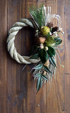 Frame Wall Decor, Frames On Wall, Christmas Wreaths, Christmas Decorations, Holiday Decor, Dried Flower Wreaths, Japanese New Year, Oriental Flowers, Dried Flower Arrangements