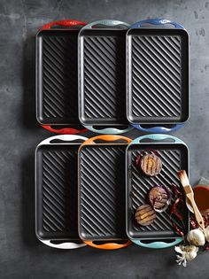 #GiftoftheDay: Who said grilling is just a summer thing? Shop our indoor/outdoor Le Creuset Skinny Grill.