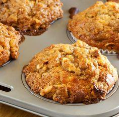 Muffin mit Banane, Erdnussbutter und Walnüssen