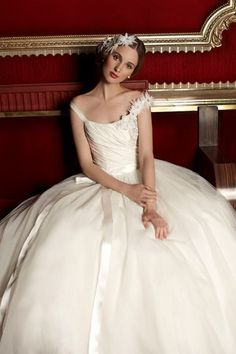 Alan Hannah -  Classic Beauty Collection 2013 (BridesMagazine.co.uk)