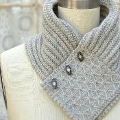 Quilted Lattice Ascot - via @Craftsy/Might adapt this design to fleece!