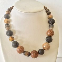Necklace palmwood and mixed beads