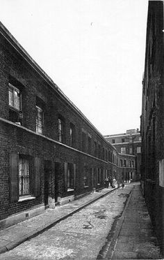 East End Photographs and Drawings - Page 45 - Casebook Forums East End London, Old London, Old Pictures, Old Photos, Bermondsey London, London Pride, Social Realism, Ripper Street, Liverpool History
