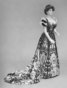 Beautiful House of Worth 1898-1900 Black & White gown...