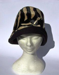 Cappello donna cloche anni 30 fantasia leopardo : Cappelli, berretti di janecolori