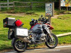 Memories of a warmer period! On the Col de la Forclaz with my BMW R 1200 GS. #bmw #bmwgram #bmwr1200gs #r1200gs #forclaz #coldelaforclaz #suisse #motorcycle_moment #motofoto #motoshow #spiritofgs #makelifearide #bmwmotorrad #bmwmotorcycle  #motorrad #motorcycle #motorbike #swisspass #swissmotorcycle #mototour #mototerapia #mototrip