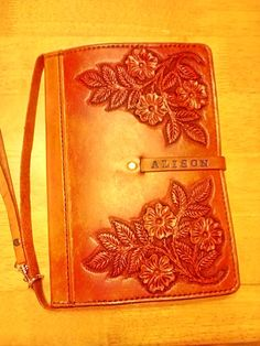 Alison's Kindle case.  By Beauvine Leather / Beau Bottrell