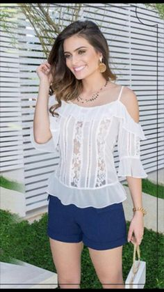 White Shirts Women, Girls Blouse, Blouse And Skirt, Dress Cuts, Western Outfits, Blouse Styles, Lace Tops, Simple Dresses, Corsage