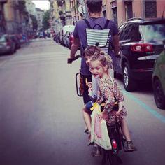 #biketoschool #bicicapace #familybike #cargobike #bicycle #bambini #kids #fridabike #longtail #xtracycle #justlong #bicicletta #bike #velo ⭐fridabike.com⭐