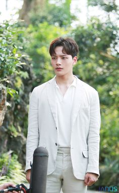 """Go behind-the-scenes of drama set """"Hotel Del Luna."""" Although the tvN drama finished airing, check out the amazing still-cuts of Yeo Jin Goo. You will find the actor smiling and focusing on set for the last shoots on set. Korean Male Actors, Handsome Korean Actors, Korean Celebrities, Drama Korea, Korean Drama, Jin Goo, New Hope Club, Celebrity Drawings, Kdrama Actors"""