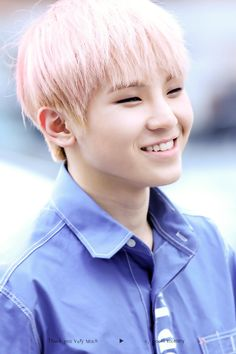 Non-Kpoppers may say that he's not that attractive but trust me if Woozi went to my school the girls would be all over him and they wouldn't even know he's an idol