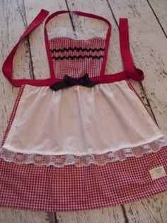 Little Red Riding Hood apron for little girls by NonniesHeart, $22.00