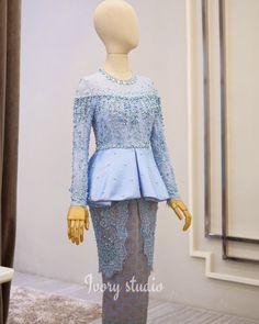 Fashion design inspiration ideas gowns 60 ideas for 2019 Model Kebaya Modern, Kebaya Modern Dress, Dress Brokat Muslim, Kebaya Muslim, Kebaya Hijab, Kebaya Dress, Muslim Fashion, Hijab Fashion, Fashion Outfits