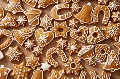 Homemade christmas cookies on wooden table 64238 Cut Out Cookies, No Bake Cookies, Cupcake Cookies, Sugar Cookies, Baking Cookies, Christmas Cookies Gift, Christmas Cookie Cutters, Christmas Treats, Best Gingerbread Cookies